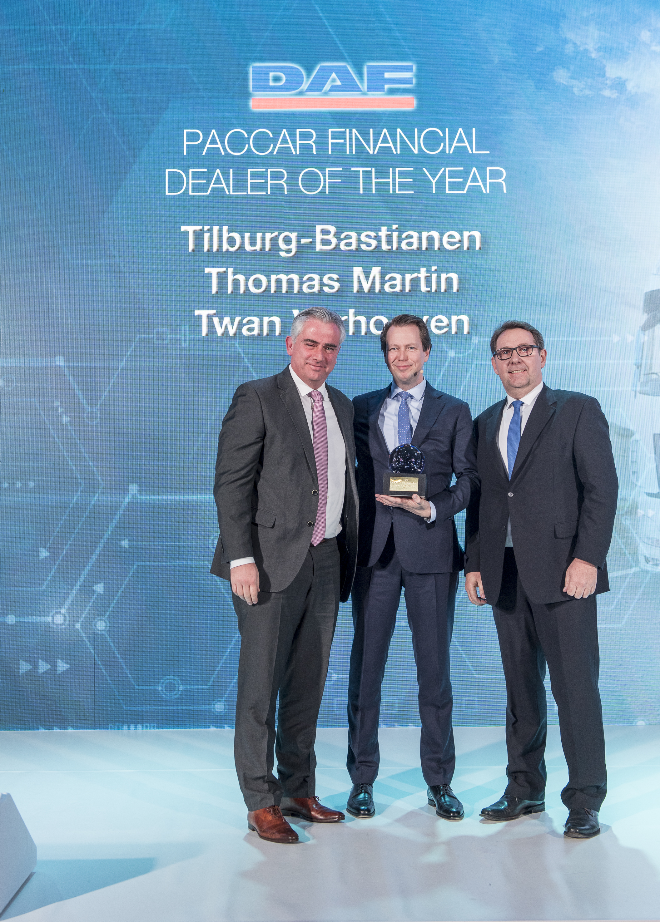 02. PACCAR Financial Dealer of the Year 2019