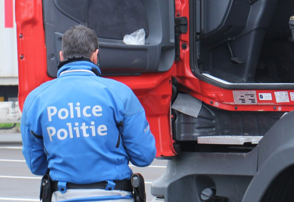 belgijska_policja_ciezarowki 1