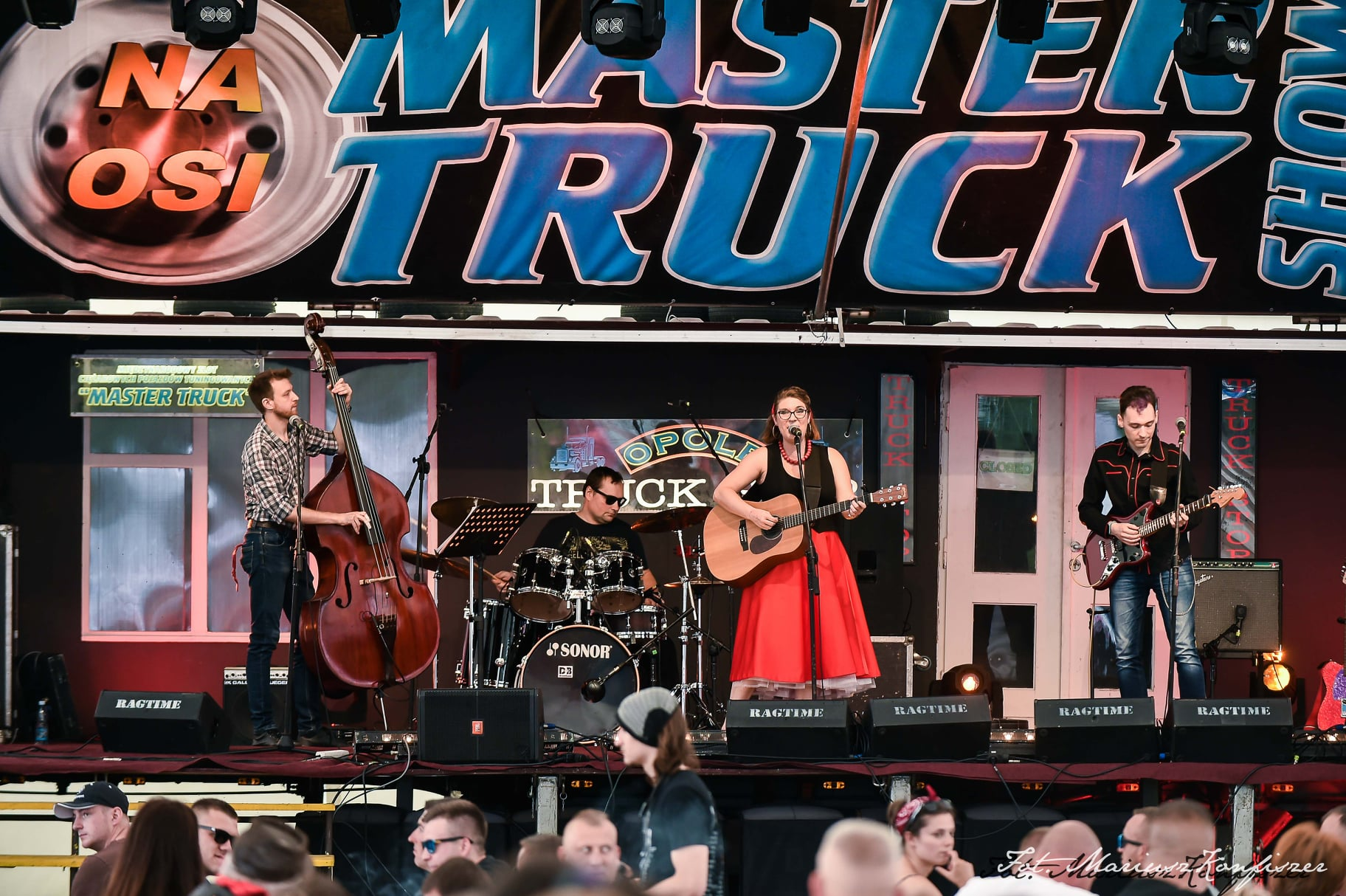 Blueberry Hill Band na Master Truck Show