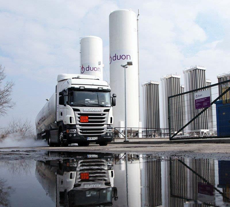 Silniki spalinowe na zakręcie, trwa boom na LNG - najnowsze dane rejestracji