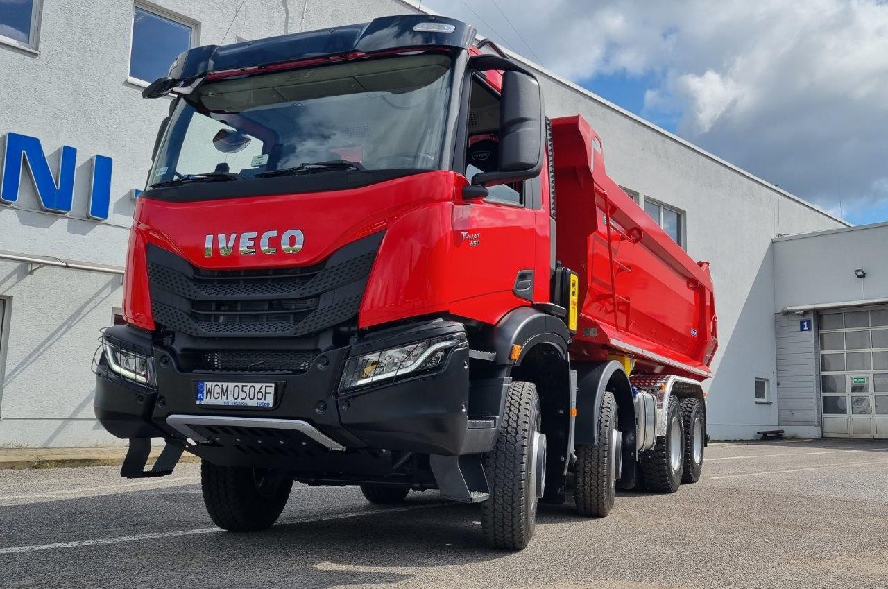 IVECO Poland przekazało firmie South Stream pierwszy w Polsce nowy pojazd IVECO T-WAY (1)